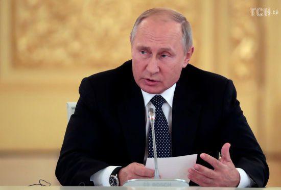 Путін позитивно оцінив ідею Макрона про створення армії ЄС