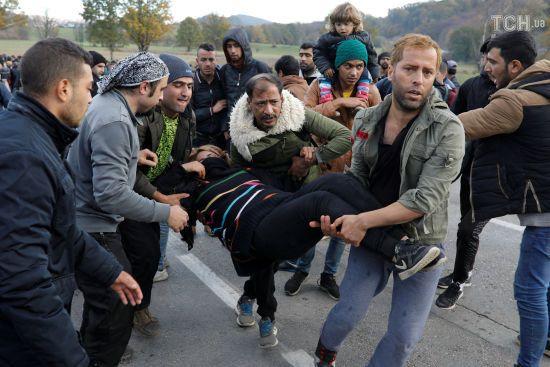 Сотня мігрантів штурмувала кордон між Боснією та Хорватією, щоб потрапити до ЄС