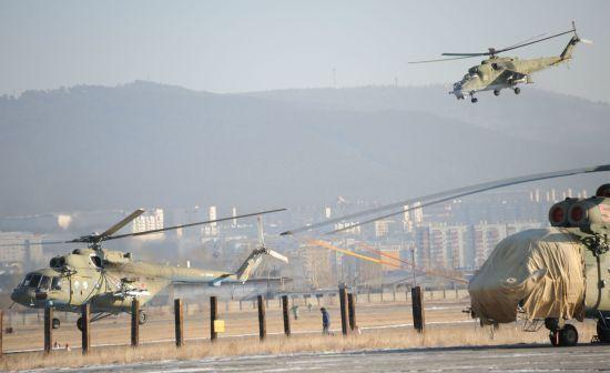 Росія провела в анексованому Криму масштабні військові навчання