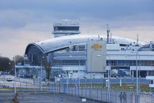 """Запах аммиака в """"Борисполе"""": возле аэропорта нашли бочки, полиция может открыть уголовное производство"""