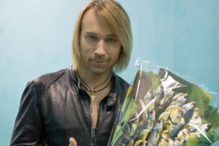 Какой подарок: Олег Винник похвастался необычным букетом