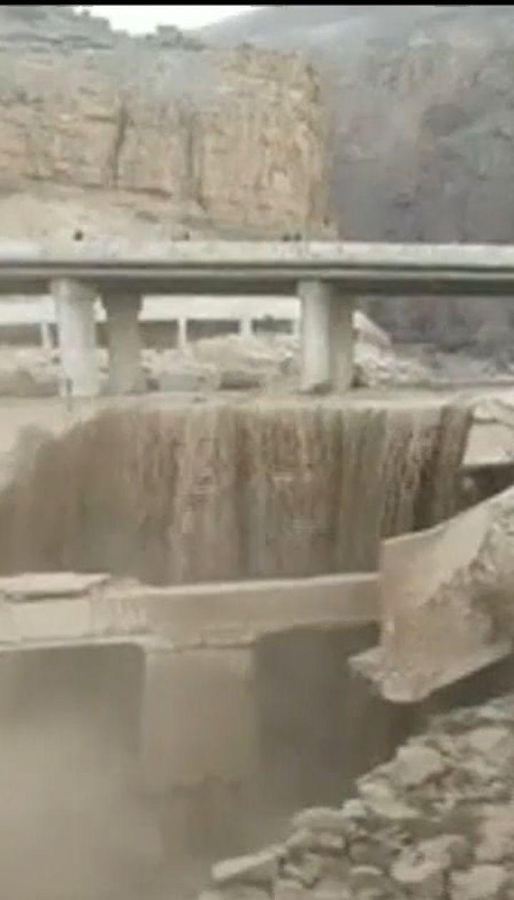 Трагическая экскурсия. В Иордании внезапное наводнение смыло автобус с детьми