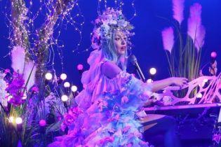 Королева ночи: роскошные образы Оли Поляковой на фееричном шоу во Дворце спорта