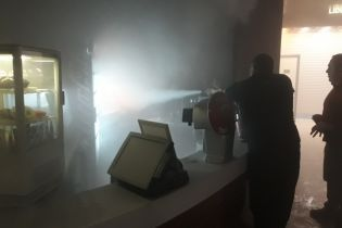 В Житомирі загорівся торговельний центр. Довелося евакуйовувати відвідувачів