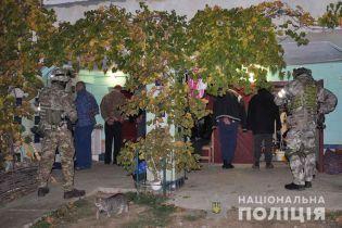 На Буковині викрили незаконне угруповання та вилучили наркотиків на 10 мільйонів гривень