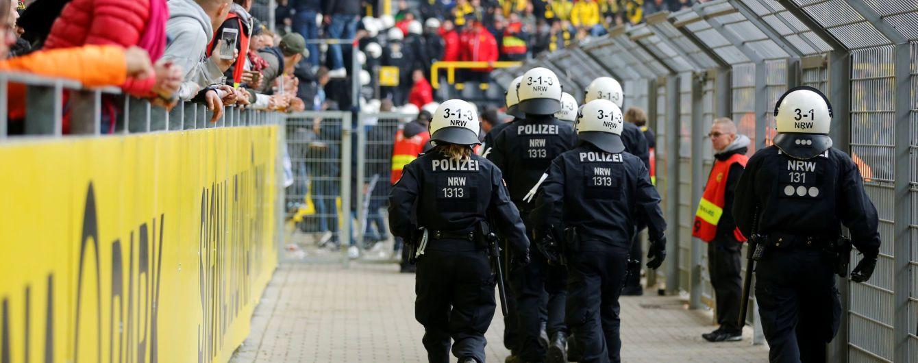 Безлади на стадіоні в Німеччині: під час бійки фанів з поліцією постраждали 45 людей