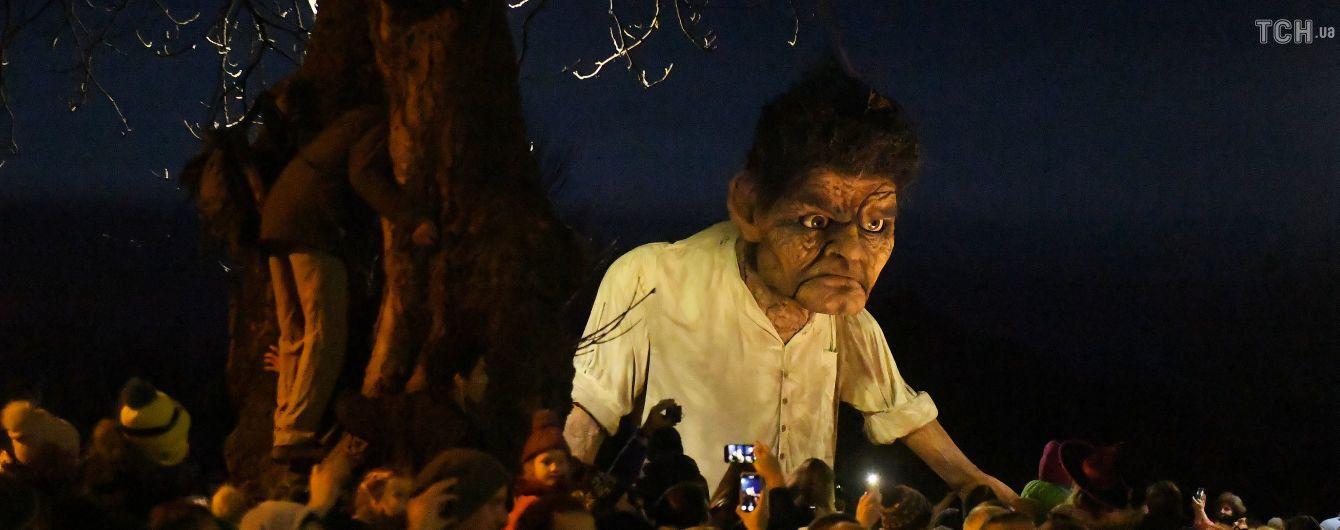 Катастрофа пасажирського літака в Індонезії та світ в очікуванні Геловіну. П'ять новин, які ви могли проспати