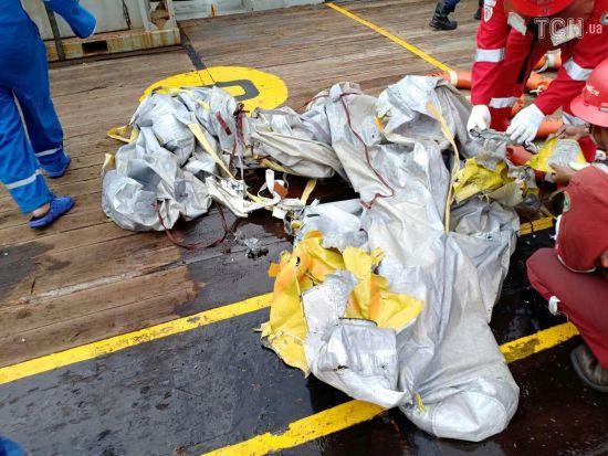Українців не було на борту літака, що розбився в Індонезії - МЗС