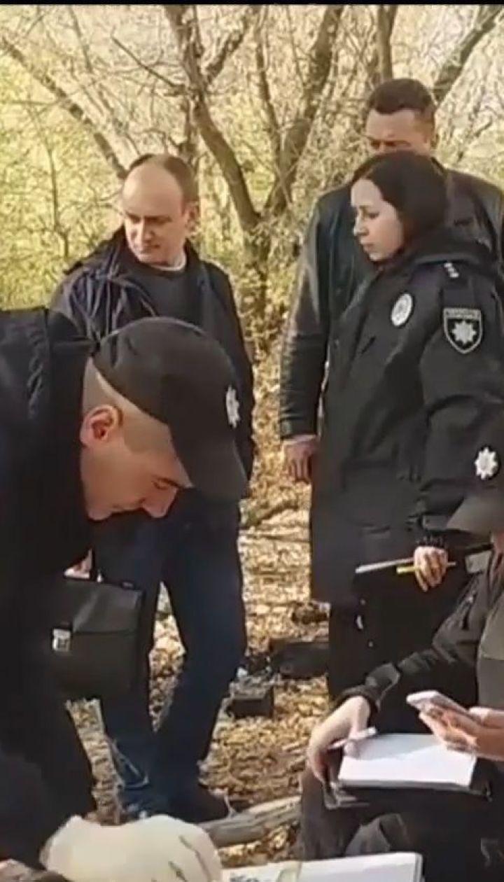 Правоохоронці затримали жінку, яка втопила у озері двох власних дітей
