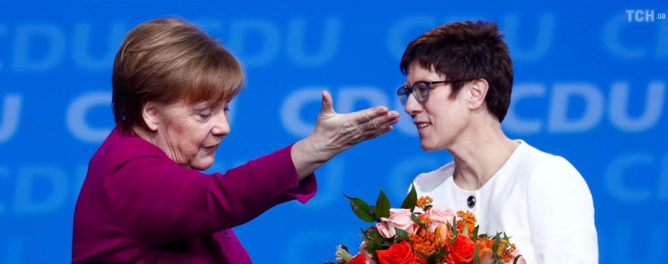 Наступниця Меркель пропонувала випустити в один ринг Путіна та Кличка