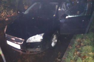 У Львові чоловік застрелився в салоні власного автомобіля