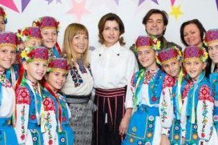 Битва образов Марины Порошенко: юбка с вышивкой vs фиолетовый костюм