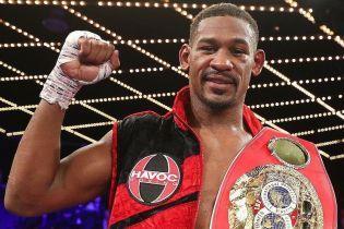"""Чемпіон світу з боксу Джейкобс """"наїхав"""" на суддів після перемоги над українцем"""