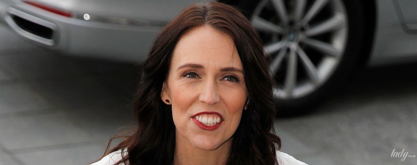 У зеленій спідниці і з гарним макіяжем: прем'єр-міністр Нової Зеландії зустрілася з герцогинею Сассекською