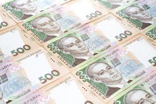 В банках увеличился объем гривневых и валютных депозитов украинцев