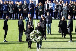 """Футболисты """"Лестера"""" попрощались с погибшим в трагедии владельцем клуба"""