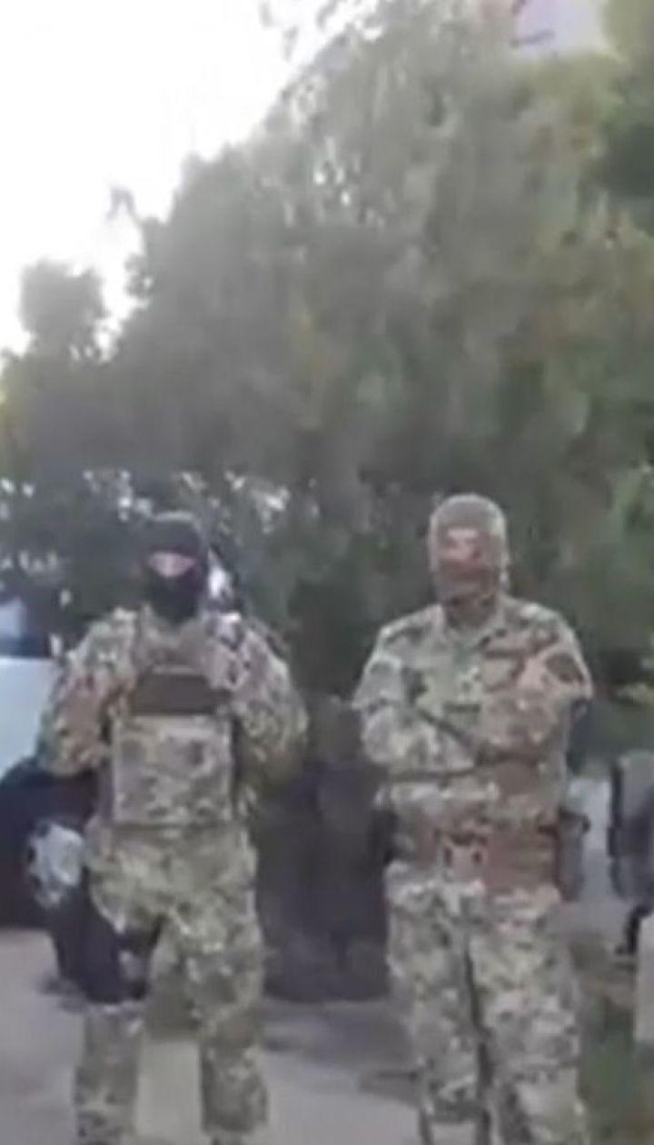 В окупованому Криму співробітники ФСБ проводили обшуки у помешканні Ділявера Гафарова