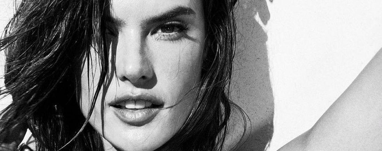 У сексуальному білизняному комплекті: Алессандра Амбросіо похизувалася фігурою