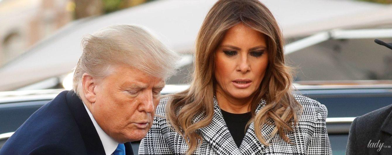 У картатому пальті і на шпильках: стильний вихід Меланії Трамп