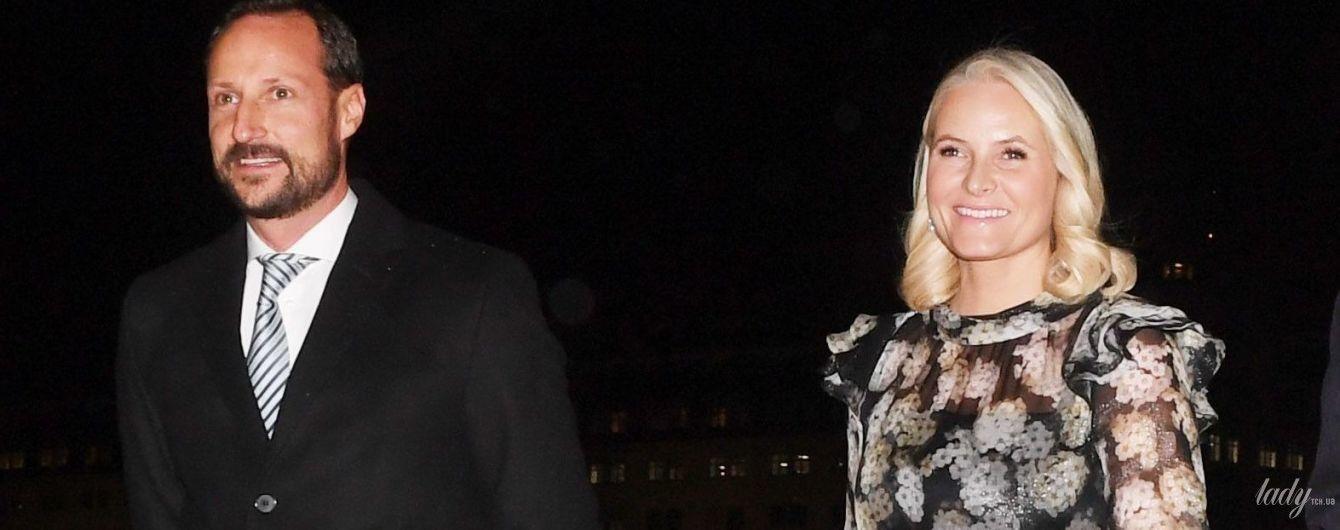 У вечірній сукні і на підборах: принцеса Метте-Маріт вперше з'явилася на публіці після оголошення про важке захворювання