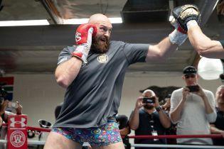 """""""Его размажут по рингу"""". Фьюри не верит в успех Усика в супертяжелом весе"""