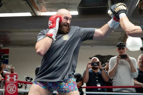 """""""Його розмажуть по рингу"""". Ф'юрі не вірить в успіх Усика у суперважкій вазі"""