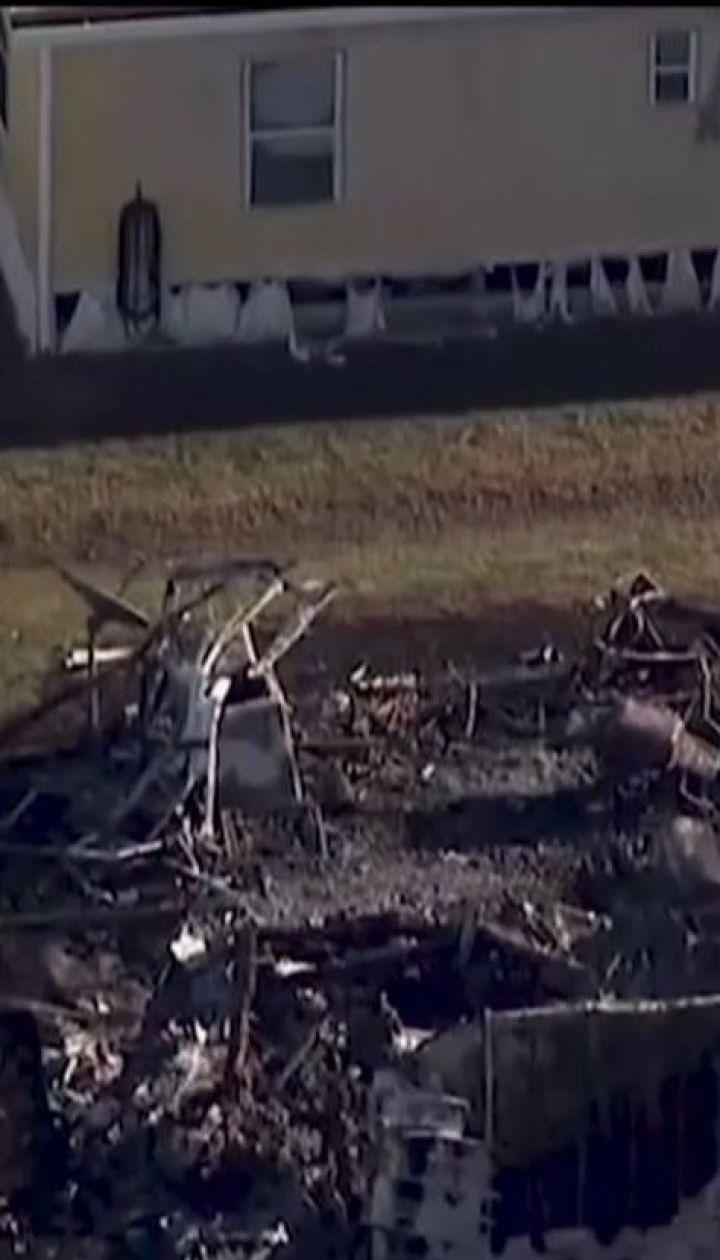 В американському штаті Флорида вертоліт упав на трейлери