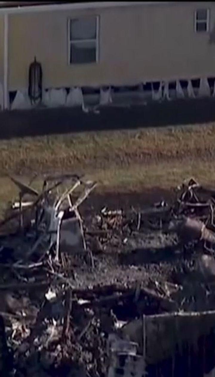 В американском штате Флорида вертолет упал на трейлеры