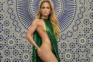 Оголена і сексуальна: Джей Ло знялася в новому пікантному фотосеті
