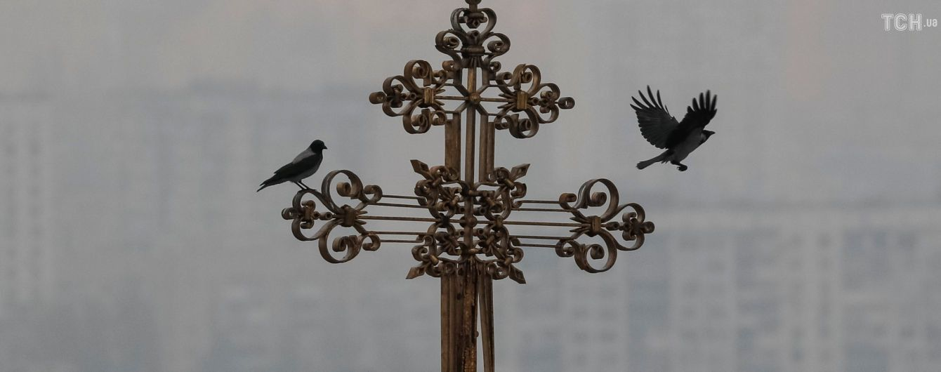 Мир все больше поддерживает независимость украинской церкви от Москвы – Порошенко