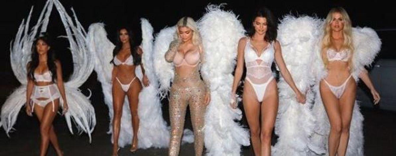 """""""Янголи"""" Кардашян-Дженнер: знамениті сестри обрали відверті образи для вечірки на честь Геловіну"""