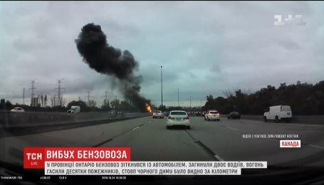 Вблизи Торонто грузовик столкнулся с легковушкой, есть погибшие