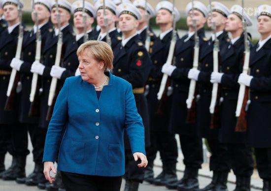 Меркель у Києві підтримала подовження санкцій проти Росії