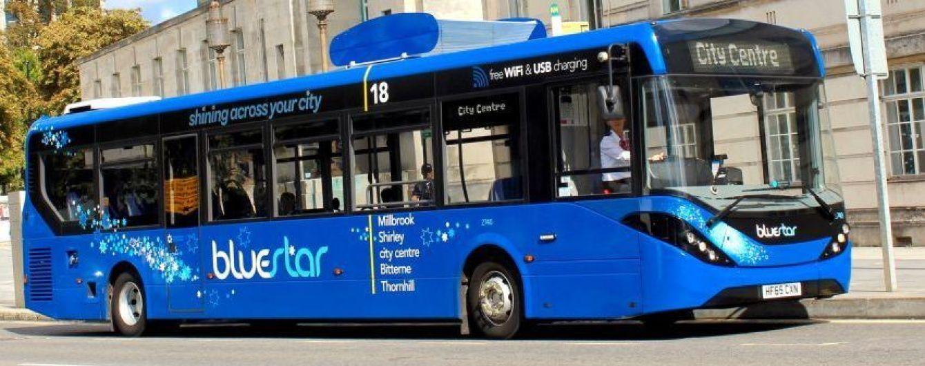 В Британии запустили первый общественный автобус на электричестве