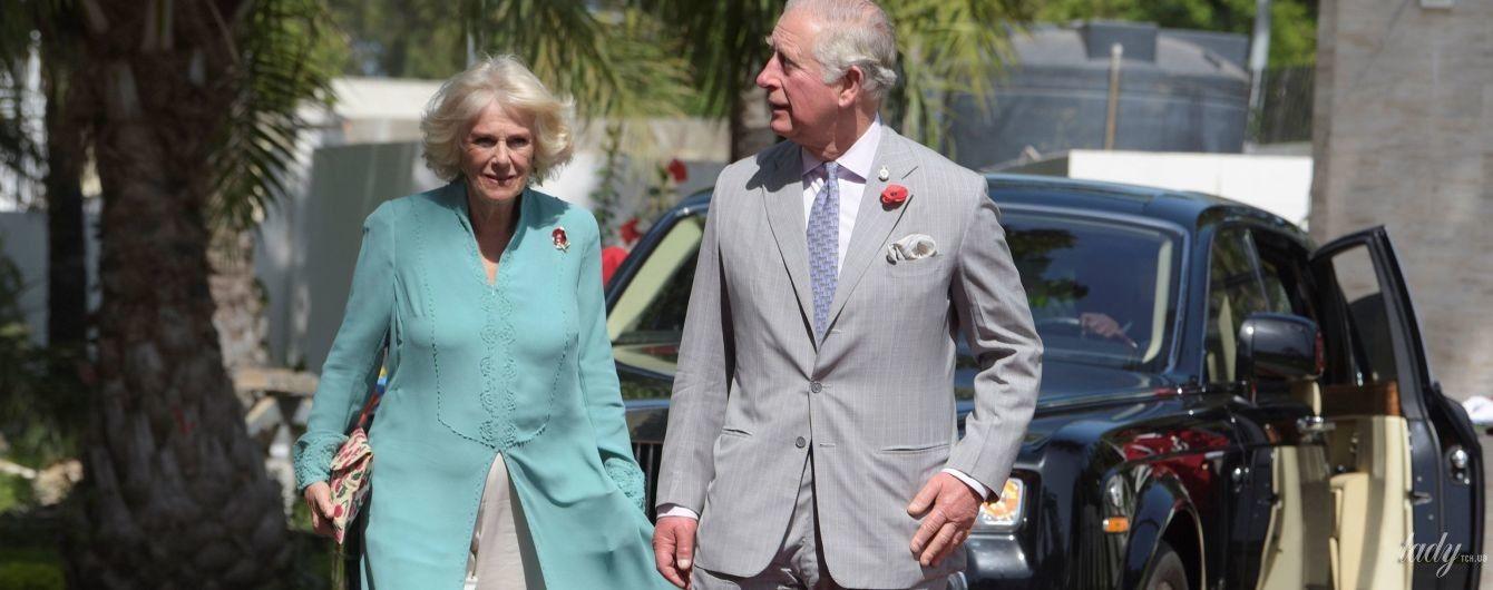 Як ніяково: 71-річна герцогиня Корнуольська засвітила нижню білизну