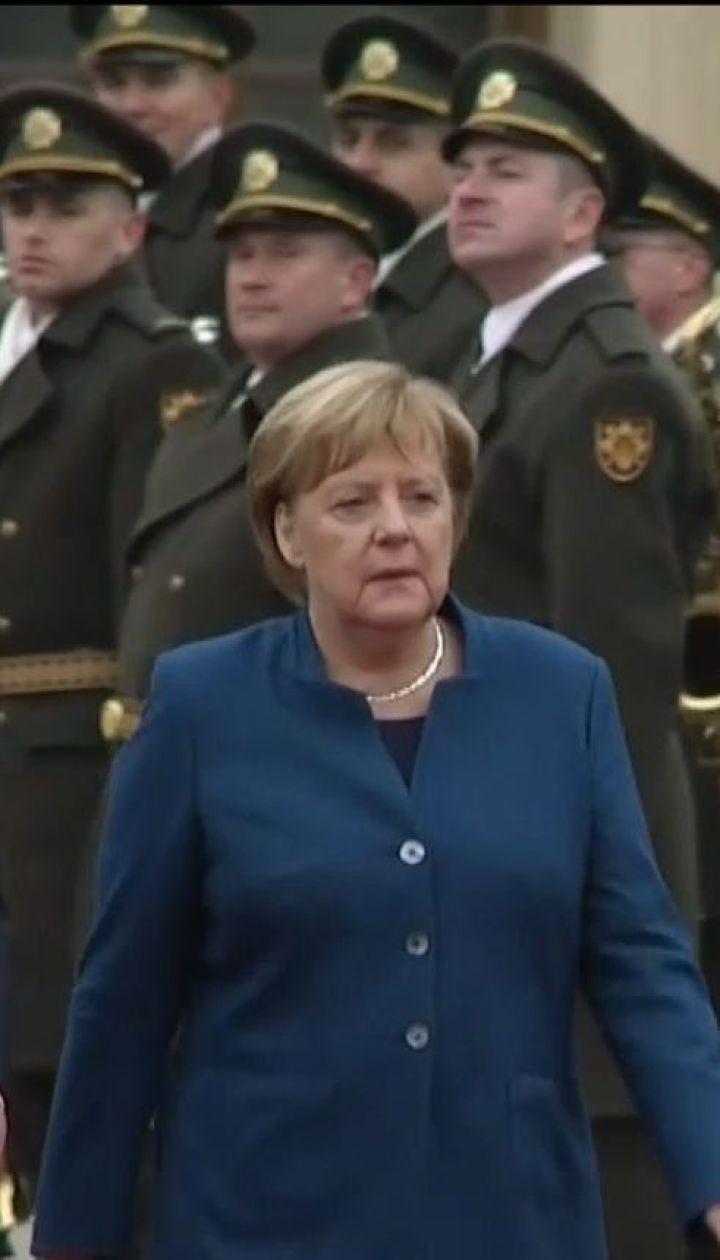Російська агресія, будівництво газопроводу. Про що говорили Меркель та Порошенко