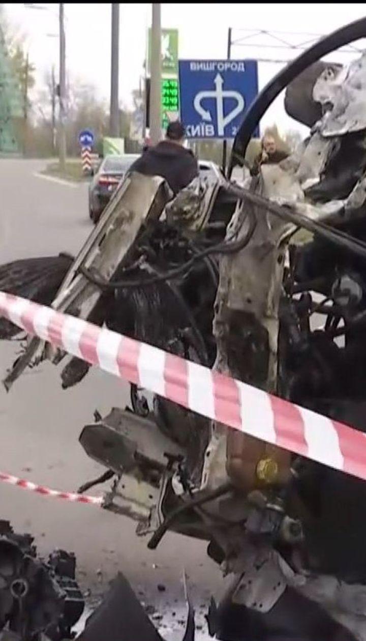 На околиці Києва у поліцейський пост влетіла автівка