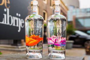 В Нидерландах научились делать водку из тюльпанов