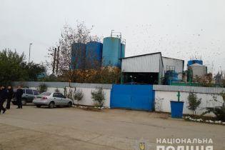 На Миколаївщині невідомі вдерлися на олійний завод, зв'язали охоронця і вкрали 200 тисяч гривень