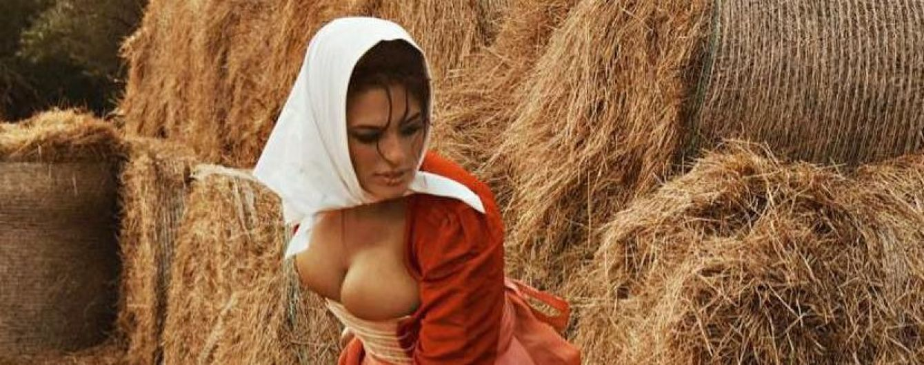 Жінка з косою: Ешлі Грем у сексуальному образі знялася в фотосеті для Vogue