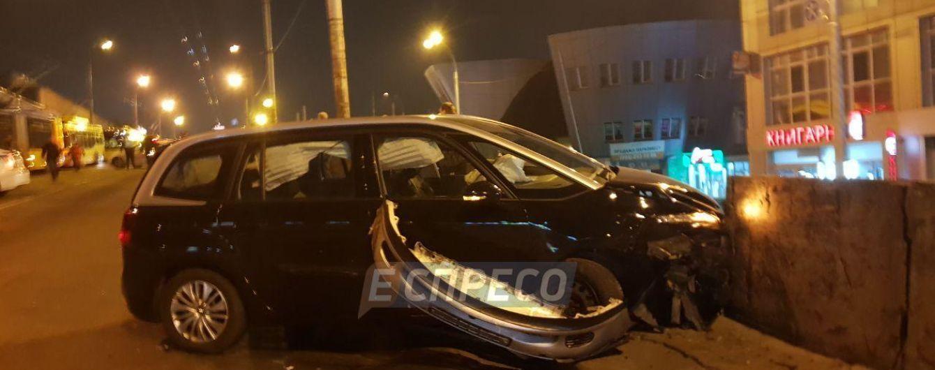 В больнице скончался пострадавший в аварии возле Шулявского моста в Киеве