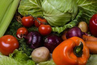 В Україну імпортують більше тепличних овочів