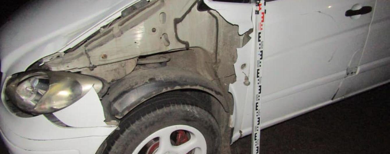 Під Києвом водій на смерть збив неповнолітнього юнака