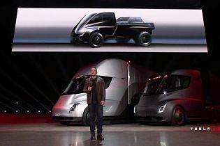 Ілон Маск розповів, чим буде цікавий електропікап Tesla