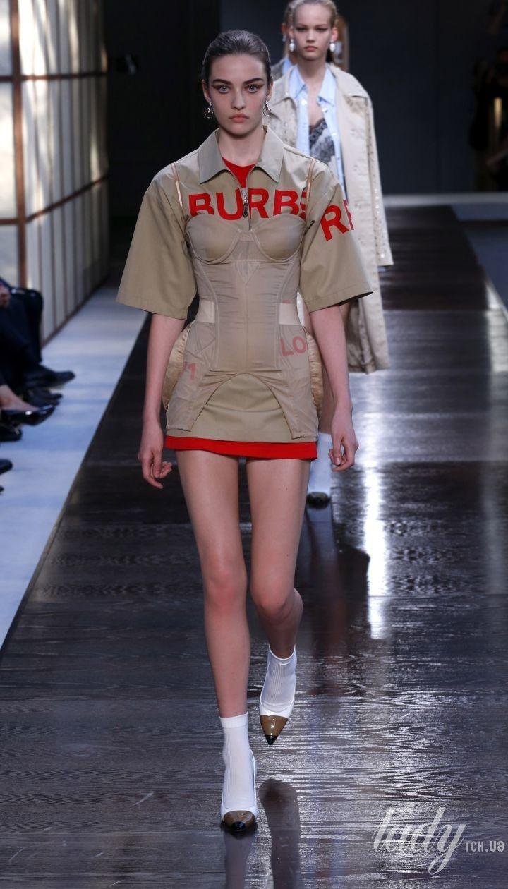 Коллекция Burberry прет-а-порте сезона весна-лето 2019