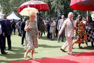 В цветочном платье и новых туфлях: герцогиня Корнуольская продемонстрировала красивый образ