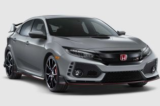 Хэтчбек Honda Civic получил обновления системы и дизайна