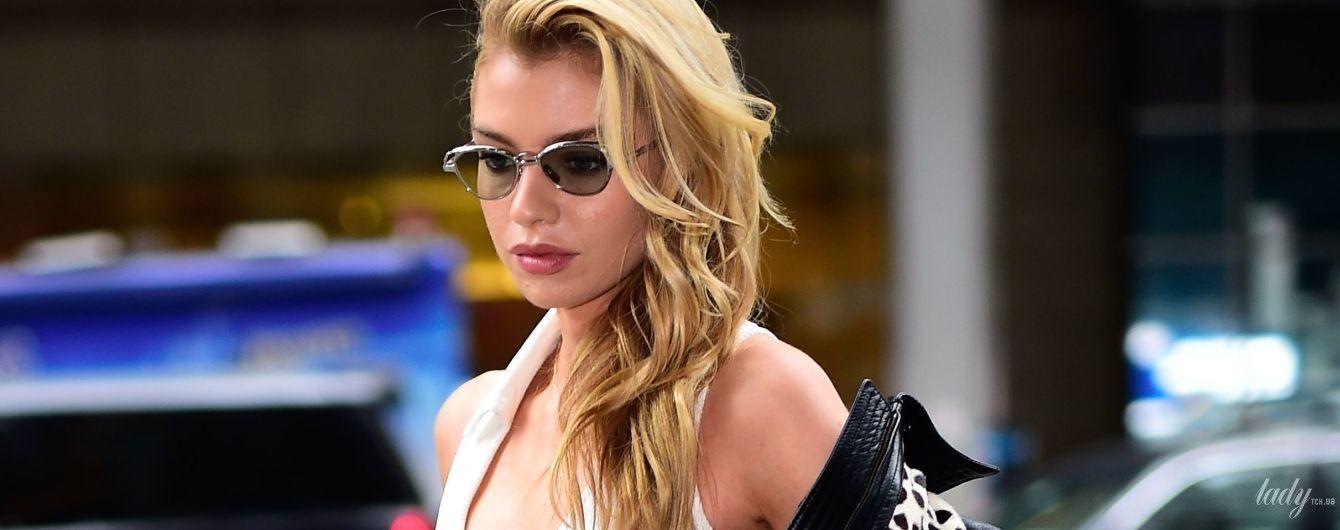 """До шоу два дня: """"ангел"""" Стелла Максвелл в привлекательном образе сходила на примерку в офис Victoria's Secret"""
