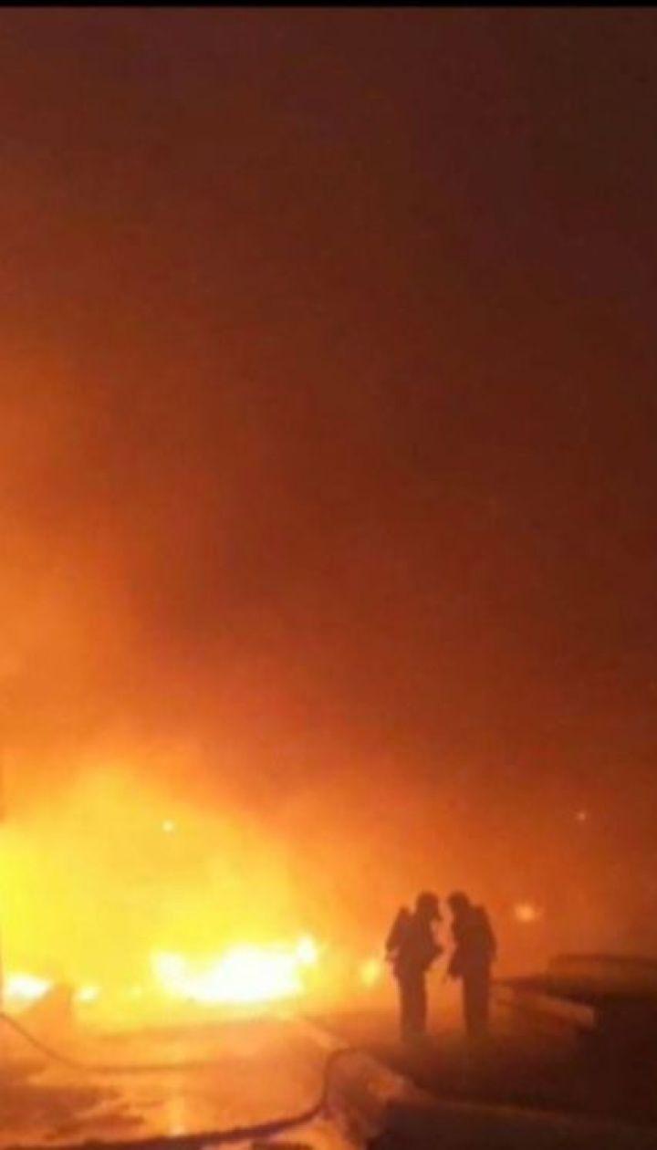 На Одещині горять склади олійножирового комбінату