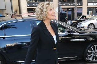 В костюмі, на шпильках і з сумкою Chanel: 80-річна Джейн Фонда в об'єктивах папараці
